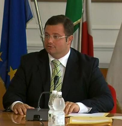 """Carloni: """"Ritardo abissale su assestamento 2015 e bilancio regionale 2016"""""""