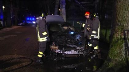 Attentato in via don Bosco: in fiamme l'auto di un noto costruttore fanese