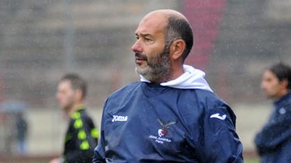 Esonerato Omiccioli, l'allenatore del Fano Calcio. Al suo posto arriva Gianluca De Angelis