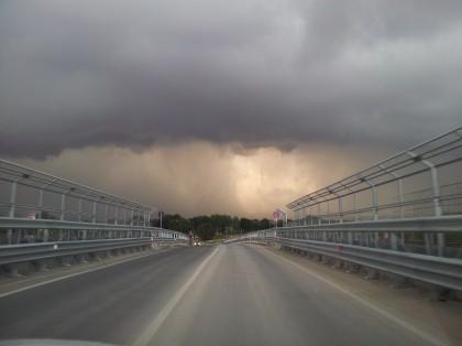 Maltempo: temporali e mareggiate da domani nelle Marche.  Protezione civile, fino a 80 millimetri pioggia