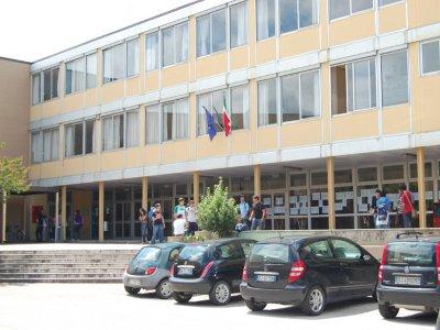 """Oggi """"test sismico"""" sull'edificio del liceo scientifico """"Torelli"""" di Fano a conclusione dei lavori"""