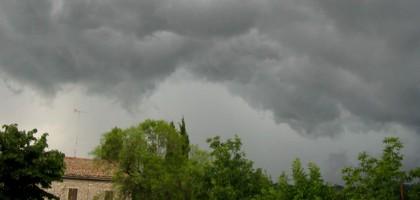Allerta meteo, martedì nuove piogge e temporali nelle Marche