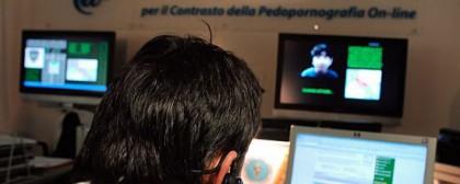 Pedofilia: adescavano bambine su Skype e WhatsApp, denunciati