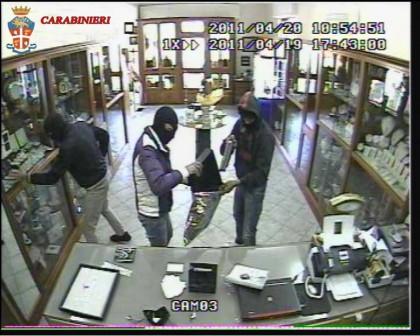 Rapinavano gioiellerie in mezza Italia. A Pesaro gruppo logistico