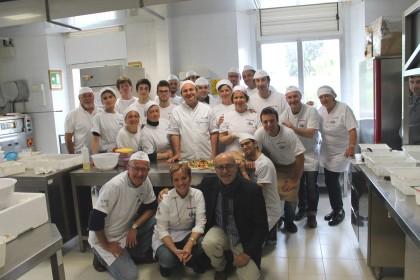 """Pizza che passione, al corso CNA   """"sfornati"""" 20 nuovi aspiranti pizzaioli"""