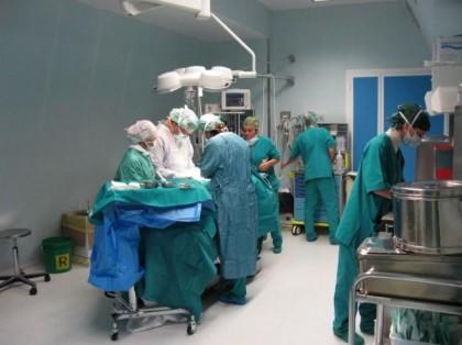Morì dopo il parto all'ospedale di Fano. Periti scagionano i medici