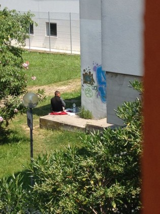 Il bivacco a san Lazzaro continua anche dopo lo sgombero della Polizia