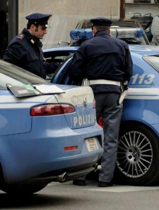 Lite in strada a Pesaro. Un ferito