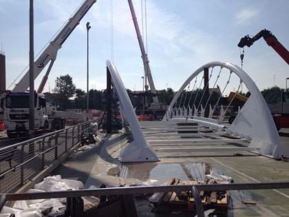 Oggi è stato installato il nuovo ponte al Lido di Fano