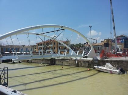 Seri: Illuminazione del nuovo ponte e casello Fano-Nord – VIDEO
