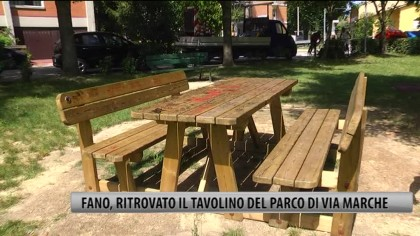 Fano, ritrovato il tavolino del parco di Via Marche – VIDEO