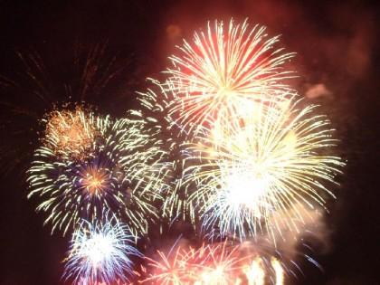 Fuochi d'artificio confermati alle ore 23 in Sassonia a Fano