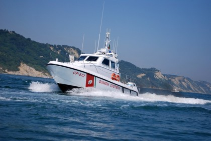 Pesaro, Guardia Costiera soccorre una imbarcazione da diporto alla deriva