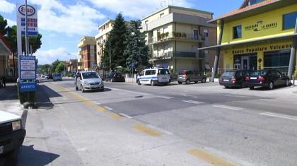 Scontro fra auto e scooter in Via Roma a Fano. Un ferito