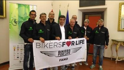 """Materiale per diabetici: spedizioni benefiche dei """"Bikers For Life Fano"""" – VIDEO"""