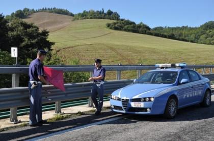 Urbino: Motociclista urta cavo di aquilone abbandonato, incolume per miracolo