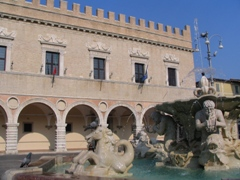 Prefettura di Pesaro Urbino, firmato protocollo d'intesa per la sicurezza nelle discoteche