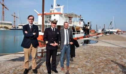 Porto, Ricci e Capuzzimato: «Consegnati i lavori per il dragaggio della darsena»