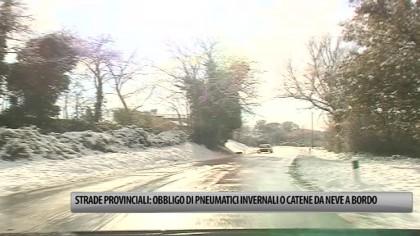 Obbligo di pneumatici invernali o avere a bordo catene da neve sulle strade provinciali – VIDEO
