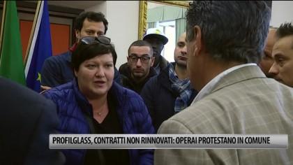 Profilglass, contratti non rinnovati: operai ricevuti dal Sindaco – VIDEO