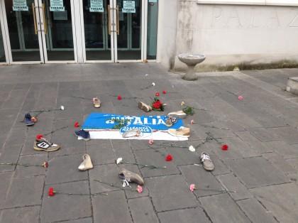 Fratelli d'Italia davanti al Tribunale di Pesaro per chiedere l'introduzione del reato di omicidio stradale