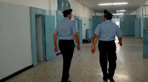 Detenuto dà fuoco alla cella nel carcere di Fossombrone