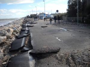 """Difesa della costa, Noi Città: """"Serve un progetto rapido e la sistemazione dello scolmatore idraulico in Viale Ruggeri"""""""