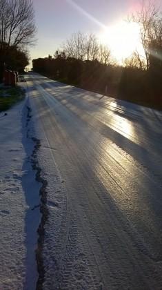 Maltempo: disagi per il ghiaccio e venti a 70km orari nelle Marche – VIDEO