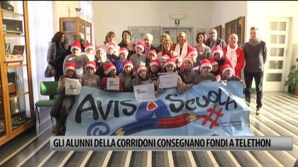Gli alunni della scuola Corridoni di Fano consegnano fondi al referente provinciale di Telethon – VIDEO