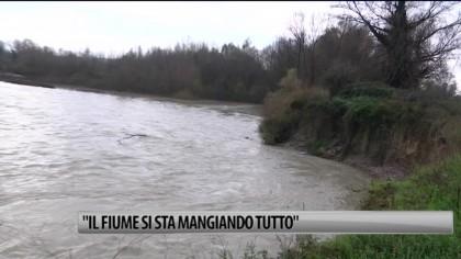 """Fiume Metauro, un proprietario lancia l'allarme: """"si sta mangiando tutto il nostro terreno"""" – VIDEO"""