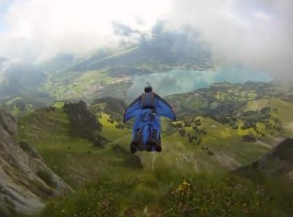 Trentino, muore base jumper pesarese sul monte Brento – VIDEO