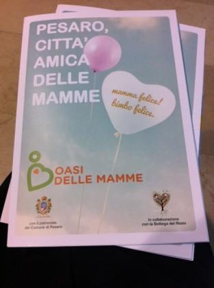 """Negozi """"pit-stop"""" e gift box: Pesaro diventa una città amica delle mamme"""