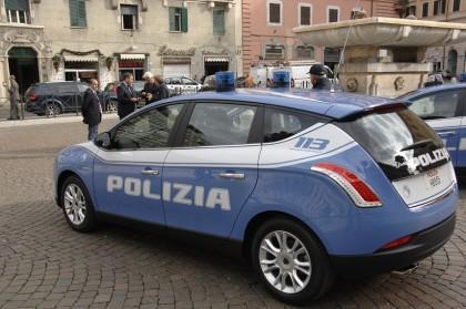 Nuova livrea sulle auto della Polizia di Stato: spunta il tricolore