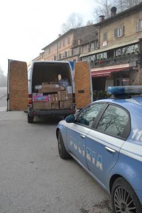 Vende alimenti senza autorizzazione, 6.000 euro di multa ad un moldavo e merce sequestrata