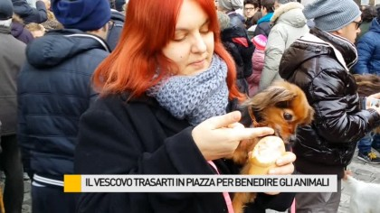 Il Vescovo Trasarti in Piazza per benedire gli animali – VIDEO
