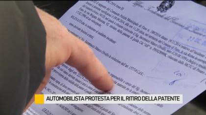 Automobilista protesta per il ritiro della patente – VIDEO