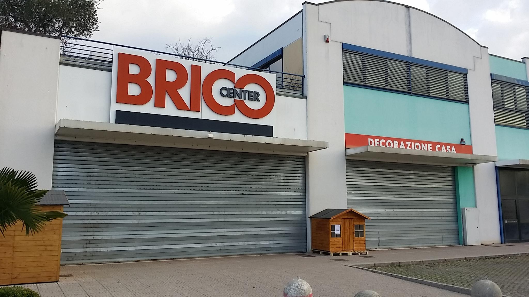 Brico center fano boiserie in ceramica per bagno for Volantino brico casa