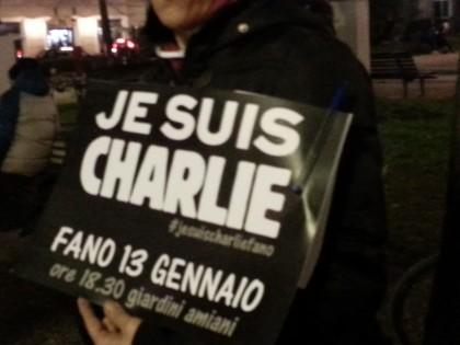 Ieri a Fano sit-in per la libertà di stampa