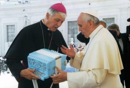 Nuovi cardinali: Menichelli; tanti messaggi di congratulazioni