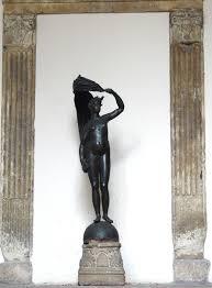 Mercoledì consegna al sindaco di St Albans di una copia della Statua della Fortuna di Fano