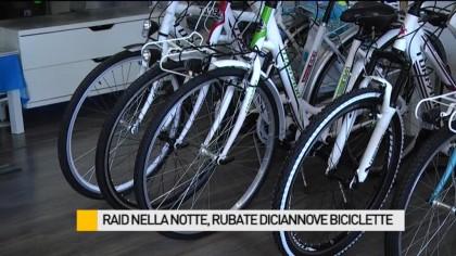 Raid nella notte, rubate diciannove biciclette – VIDEO