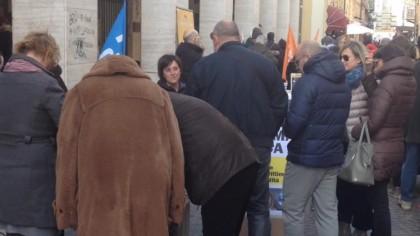 Legittima difesa, raccolta firme per una petizione popolare – VIDEO
