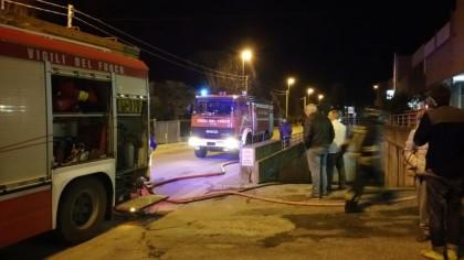 A fuoco un deposito in via delle Querce a Fano
