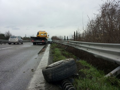 Incidente in Superstrada tra Lucrezia e Calcinelli