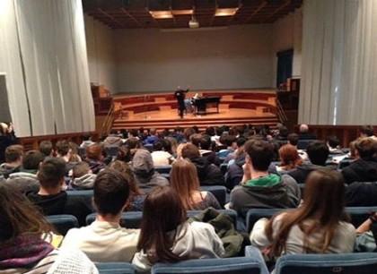 """Due studenti dell'Olivetti premiati al concorso """"Flash in Nota""""di Lezioni Concerto"""