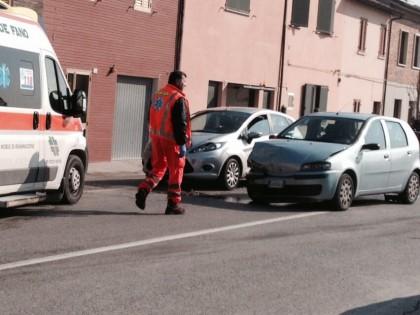 Incidente in via Pisacane. Ferita una donna