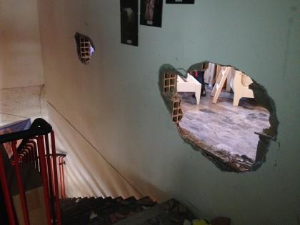 Un buco nel muro per rubare le biciclette da Fuligni Sport – VIDEO