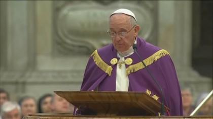 Terremoto, il Papa: davanti alle calamità Dio piange
