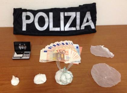 Spaccio di droga in casa, arrestata coppia albanese