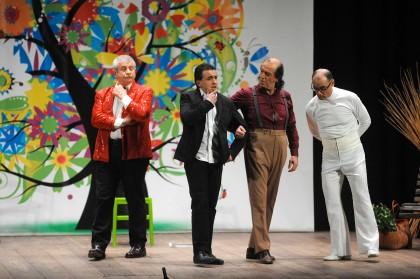 "La compagnia El Brudett in scena con ""L'art del peteguless"""